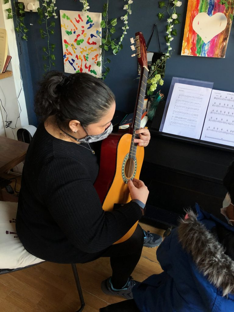 Piano Guitar Singing and Violin Lessons in East Dulwich