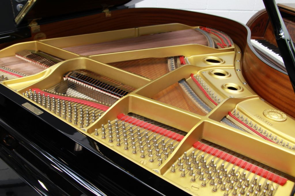 Yamaha G2 Piano for Sale, located in South London